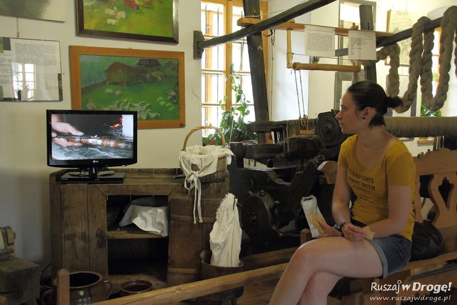 Kasia ogląda film o lokalnych twórcach i zagryza andruty