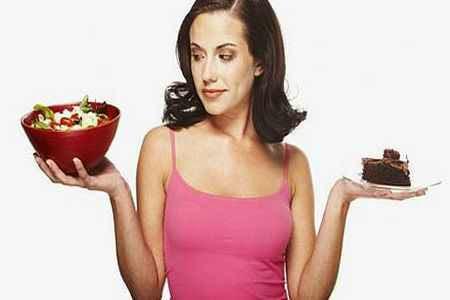 Mujer pendiente de las calorias espanta a los hombres