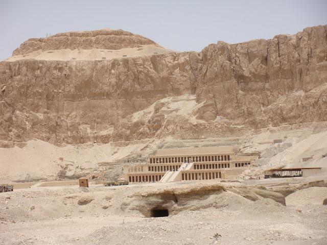 فى مصر الرجل تدب مكان ماتحب ( خاص من أمواج ) 100607-111520-s