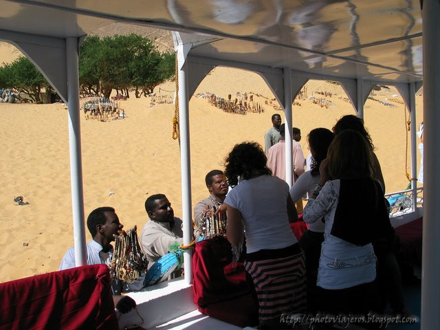 Vendedores en el Pueblo Nubio