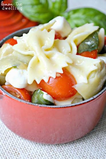 Caprese Artichoke Pasta Salad 3