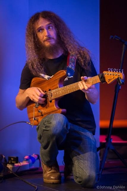 Guthrie Govan - Page 5 20121009_4668_web