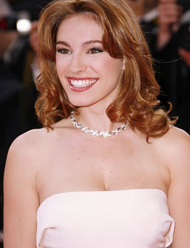 Girls In The World: English Actress and Model Kelly Brook