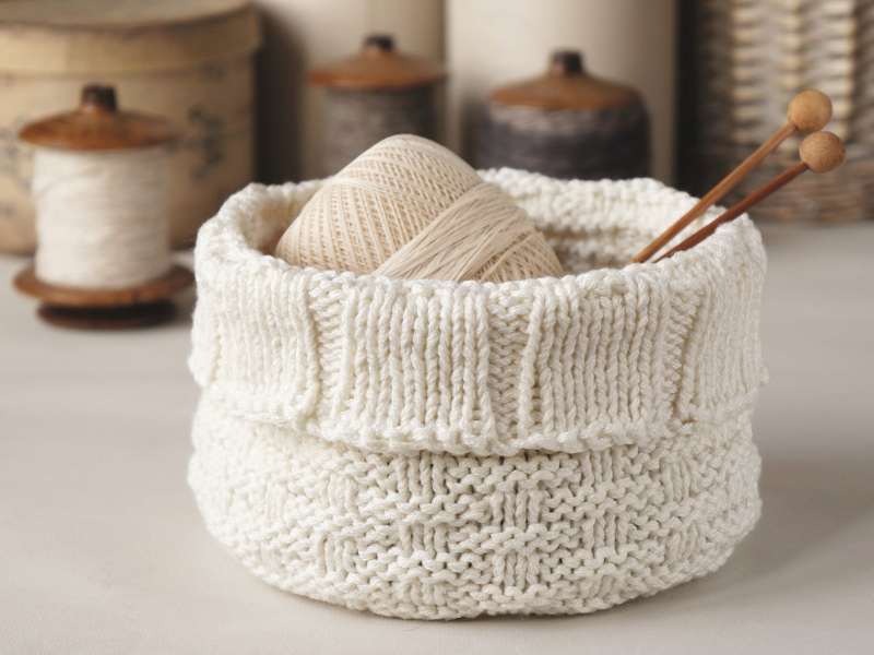 Knitted storage basket