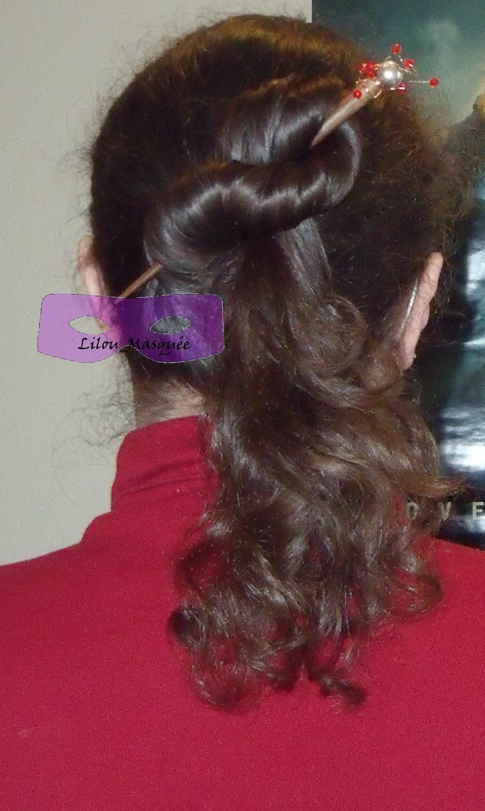 1001 coiffures tuto coiffure minute chignon demi 8 queue de cheval - Demi queue chignon ...