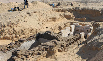 Archeologists discover 3,700 year-old tomb of mysterious Egyptian pharaoh