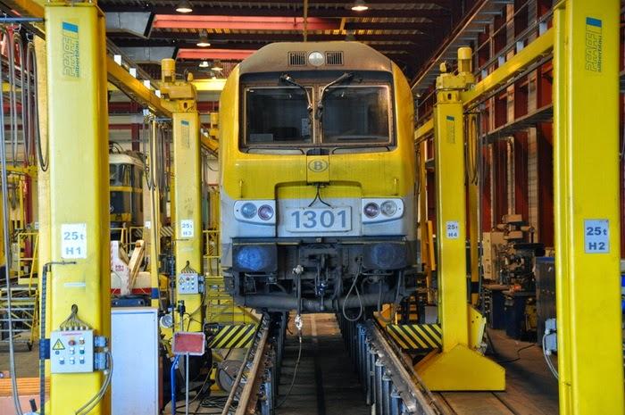 1301 Merelbeke 24-03-2012 (Louis Govaerts) HLR 1301_1.jpg
