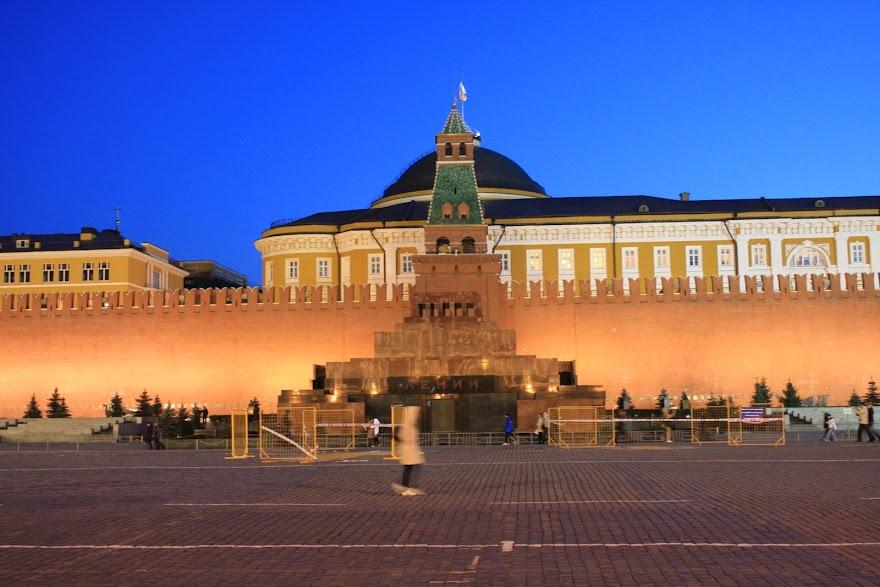 Visitar a PRAÇA VERMELHA À NOITE - Red Square by night, em Moscovo| Rússia