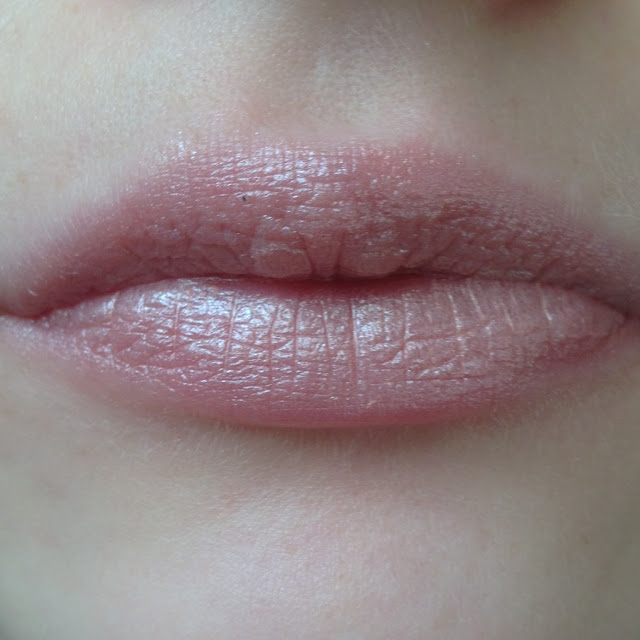 Revlon Super Lustrous Lipstick In Sky Line Pink