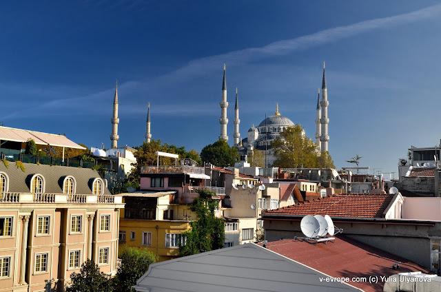 Вид с террасы отеля в Стамбуле