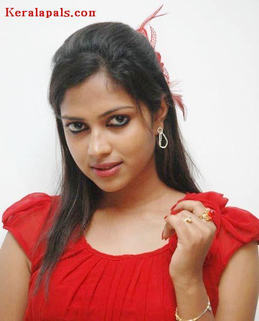 ... of Tags Hot Mallu Actress Amala Paul Sexy Unseen 526 x 650 - 38kB