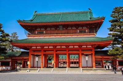 【京都・岡崎】のんびり満喫プラン(平安神宮、京うどん、可愛い雑貨まで!)