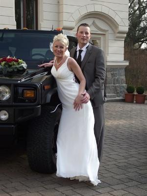 Brautkleider und Brautmode: Polterabend eine alte Tradition