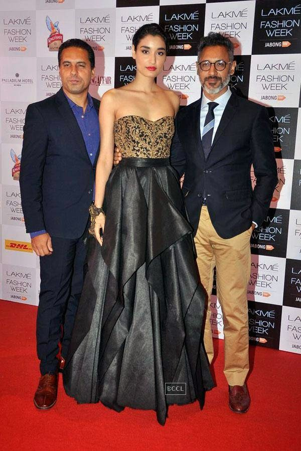 PFMI Miss India World 2011 Kanishtha Dhankar with fashion designers Shantanu and Nikhil during Lakme Fashion Week curtain-raiser, held in Mumbai, on July 28, 2014. (Pic: Viral Bhayani)