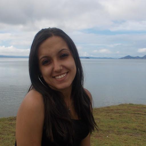 Yara Oliveira picture