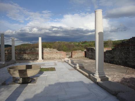 колонны Феликс Ромулиана