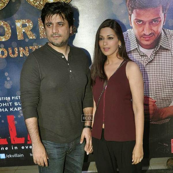 Goldie Behl and Sonali Bendre during the success party of Bollywood movie 'Ek Villain', held at Ekta Kapoor's residence on July 15, 2014.(Pic: Viral Bhayani)