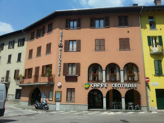 Hotel Ristorante Centrale Di Bonomini Adriano E C. (S.N.C.)