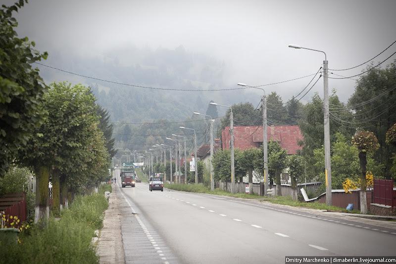 А это деревня, находящаяся на главной дороге.