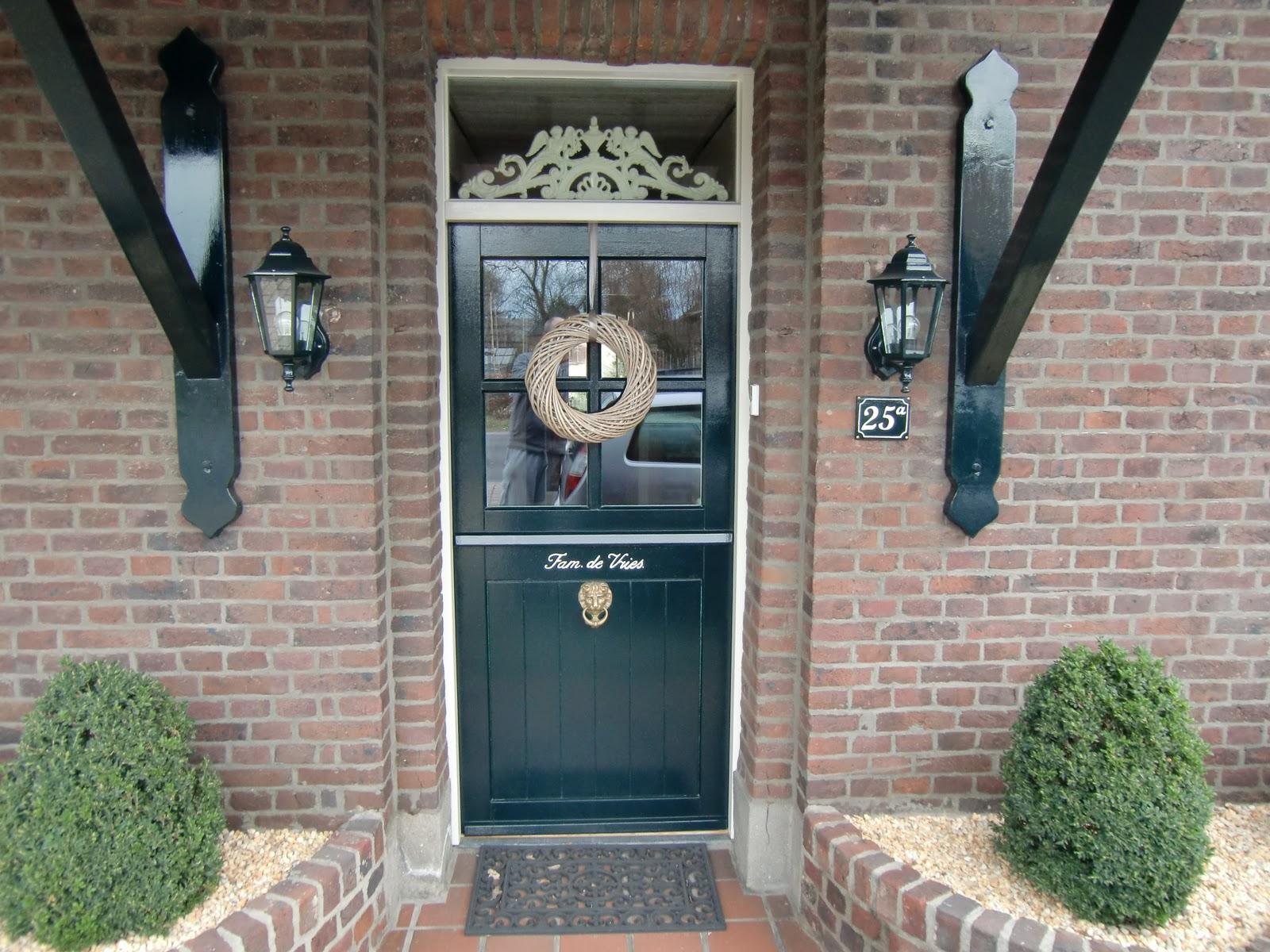 Siljo de voordeur en het huisnummer for Huisnummerbord maken