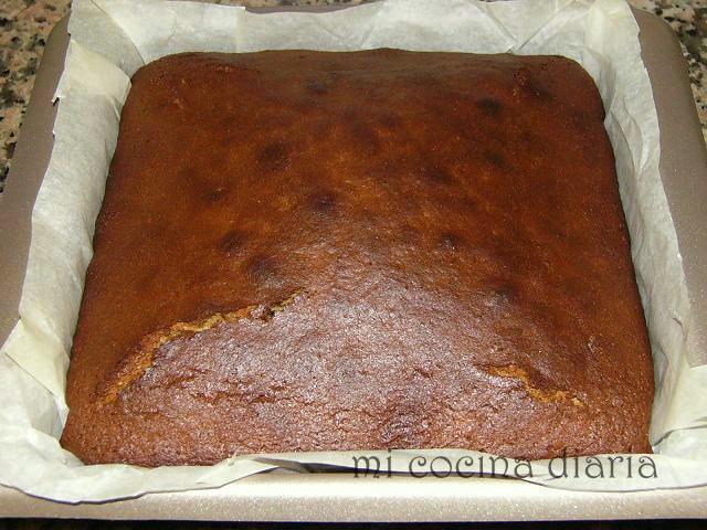 Kovrighka especiada de miel con almendras (Пряная медовая коврижка с миндалем)