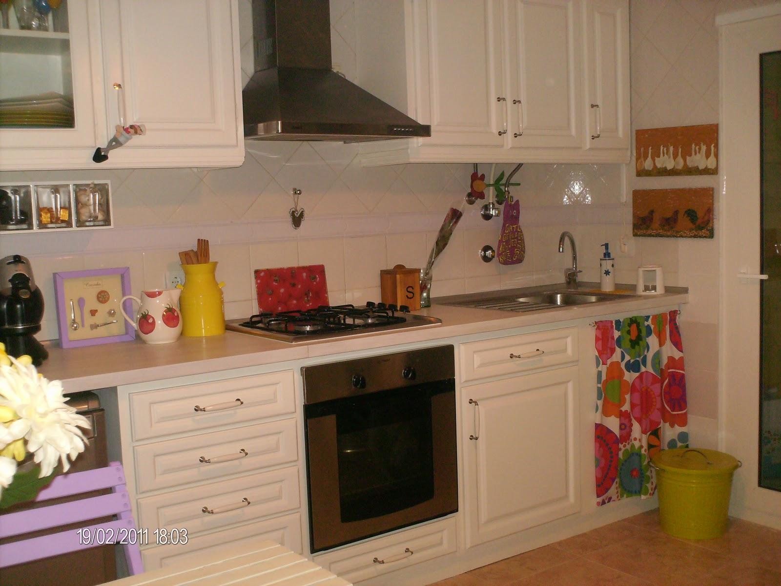 colorida acho uma graça uma cozinha nova por muito pouco #B28419 1600 1200
