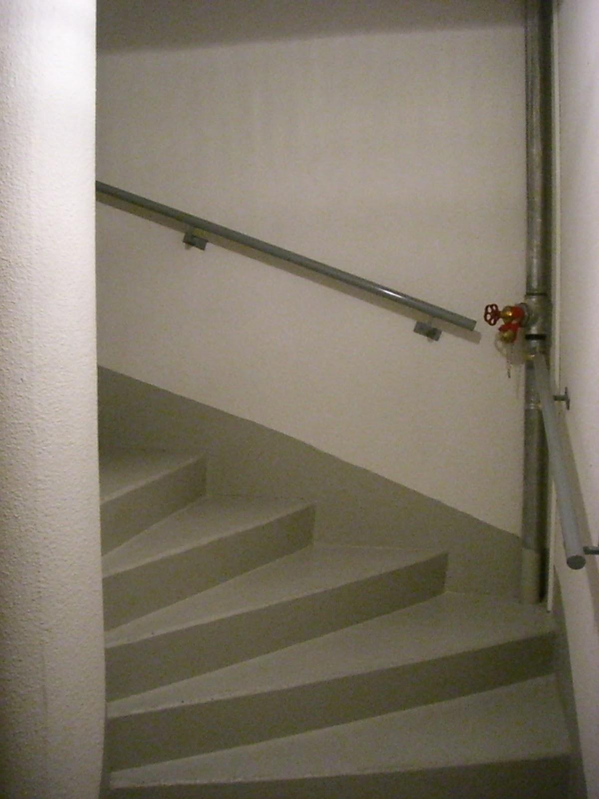 villa harmonie cages d 39 escaliers. Black Bedroom Furniture Sets. Home Design Ideas