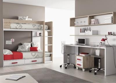 Dormitorio con dos camas y cajones y zona de estudio