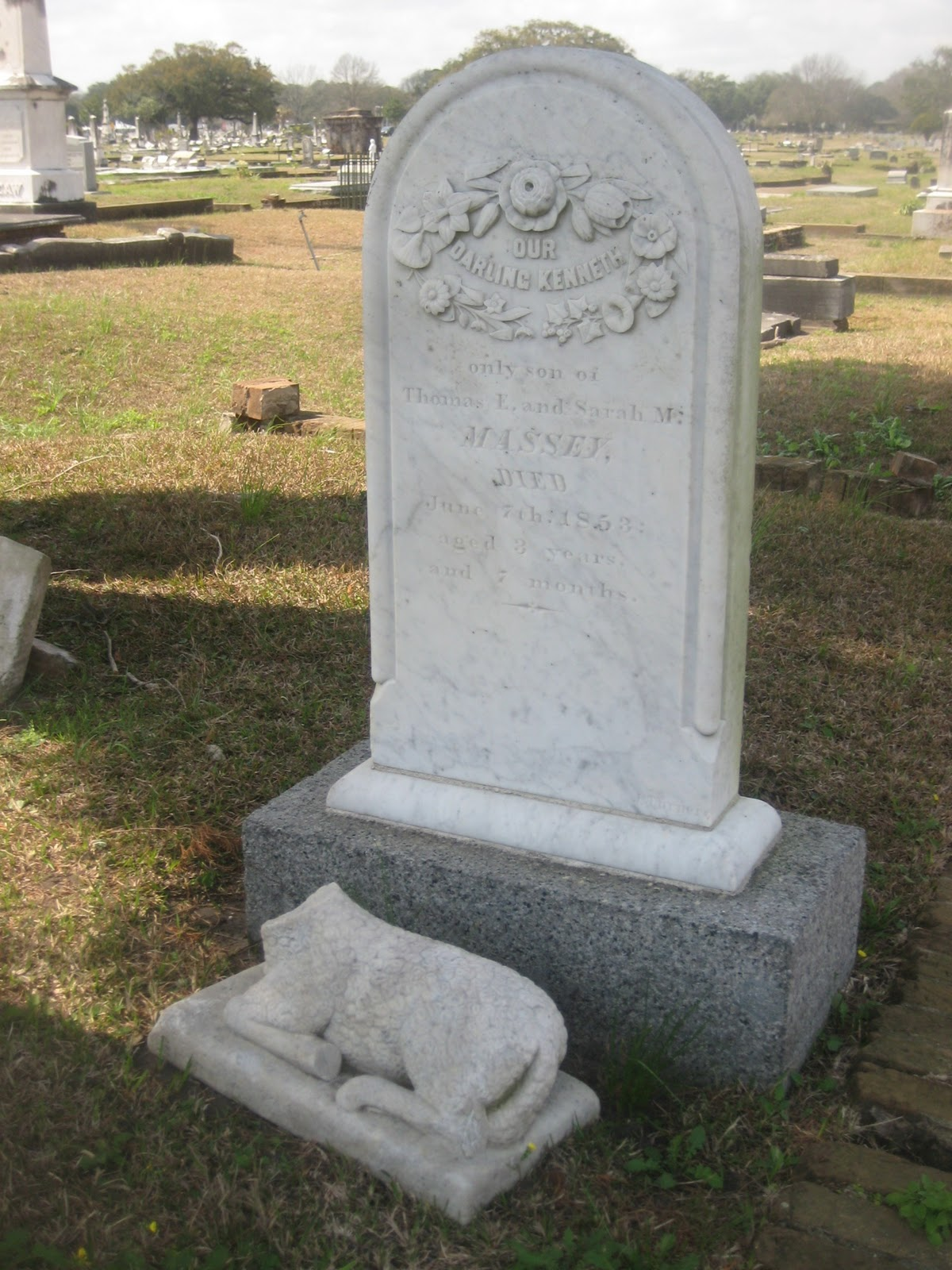 Southern folk artist antiques dealer collector magnolia cemetery the p re lachaise of mobile - Chaise daling ...