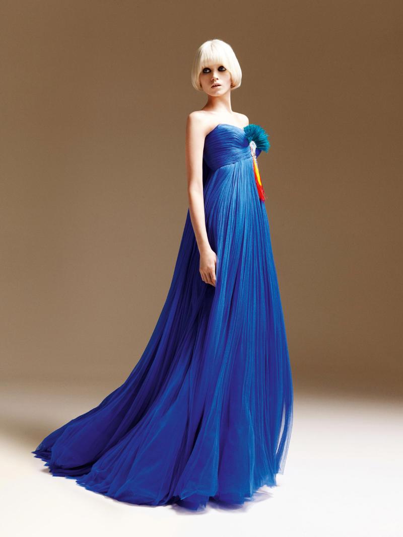 Abiti Eleganti Versace.Stileggendo Spunti Di Vista Versace Abiti Da Sera