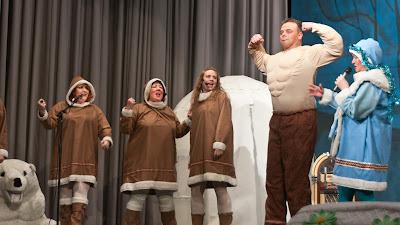 Zigeuner bei den Eskimos am Nordpol
