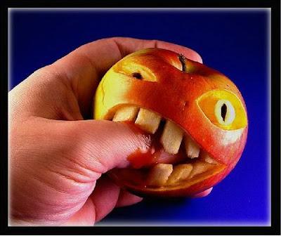 Buah,Karya seni dari buah,buah-buahan,seni buah,kerajinan dari buah,seni buah - buahan,buah unik,buah aneh,buah lucu,karya seni