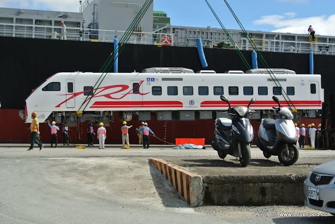 台鐵2012新車_普悠瑪號運抵基隆港
