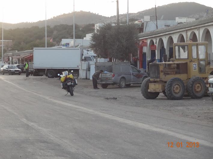 Marrocos e Mauritãnia a Queimar Pneu e Gasolina - Página 2 DSC05543