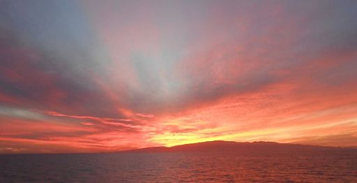 Fährfahrt von Fuerteventura: Sonnenuntergang hinter Gran Canaria