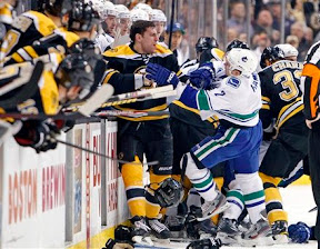 Canucks-Bruins scrum in first period