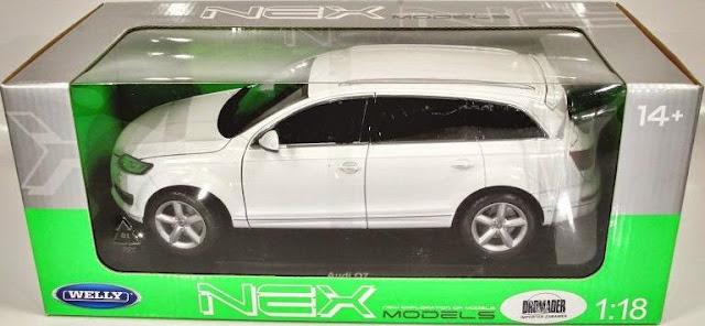 Đồ chơi Mô hình tĩnh, xe ô tô Audi Q7 tỷ lệ 1/18