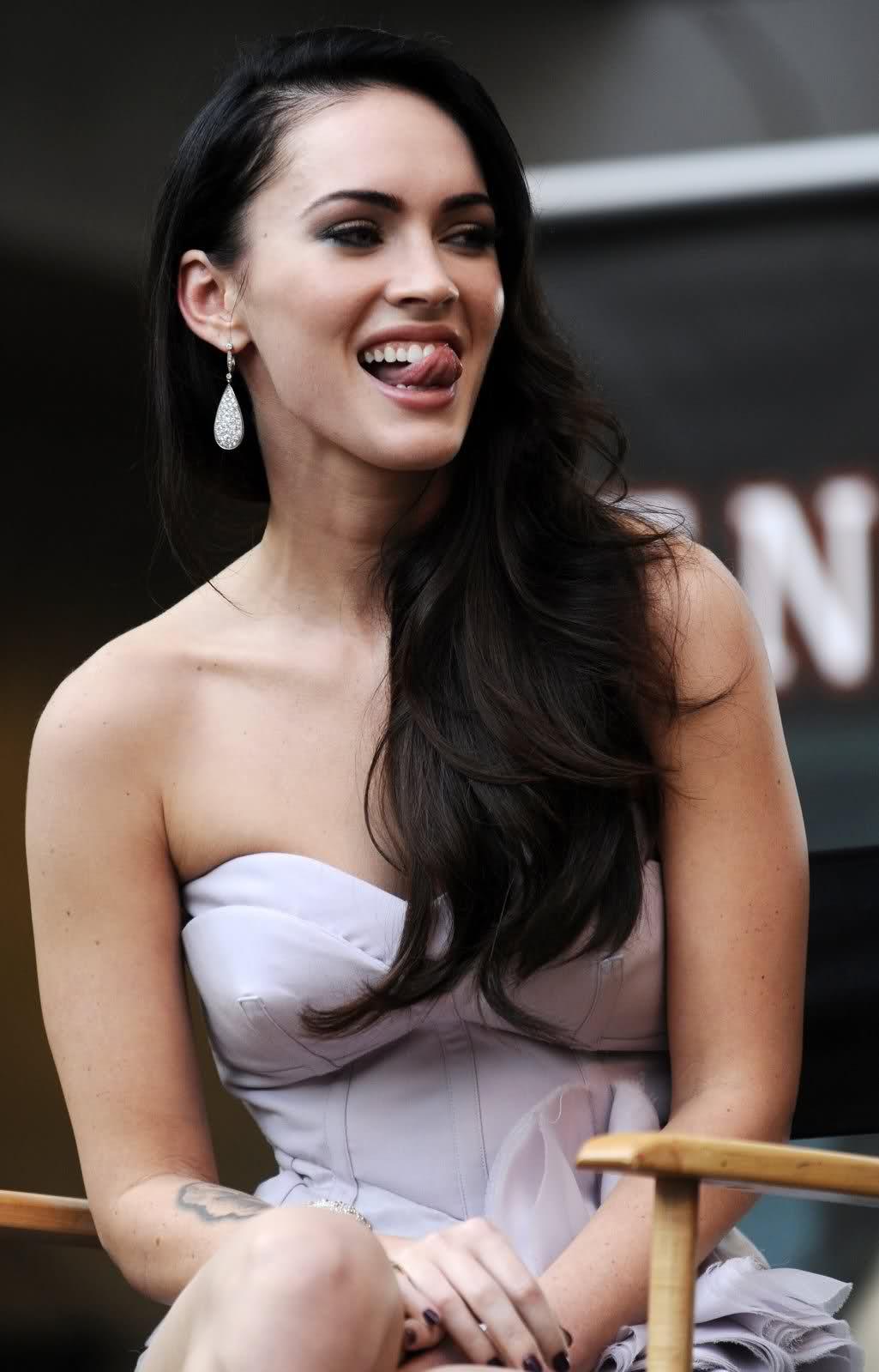 Celebrities Celeb Stop Megan Fox