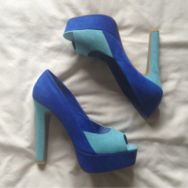 Sleeh Blue Colourblock Heels