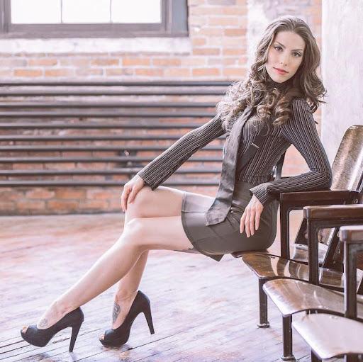 April Berardi Photo 4