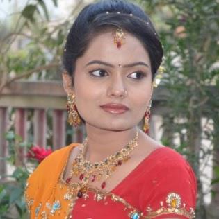Madhuri Mahajan Photo 13