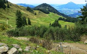 Rastbank auf dem Weiherkopf Blick ins Illertal Allgäu