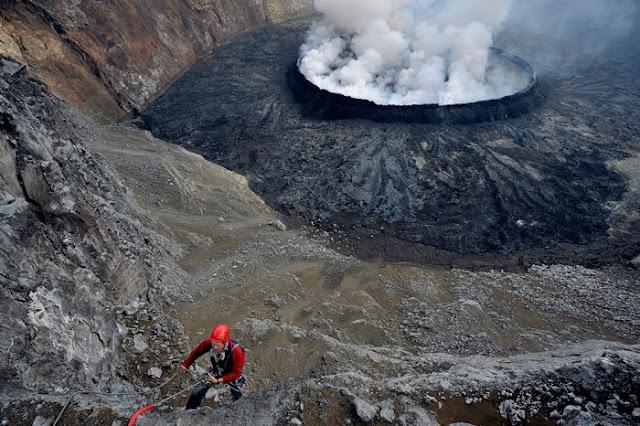 استكشافية لبركان نيراجونجو افريقيا 8.jpg