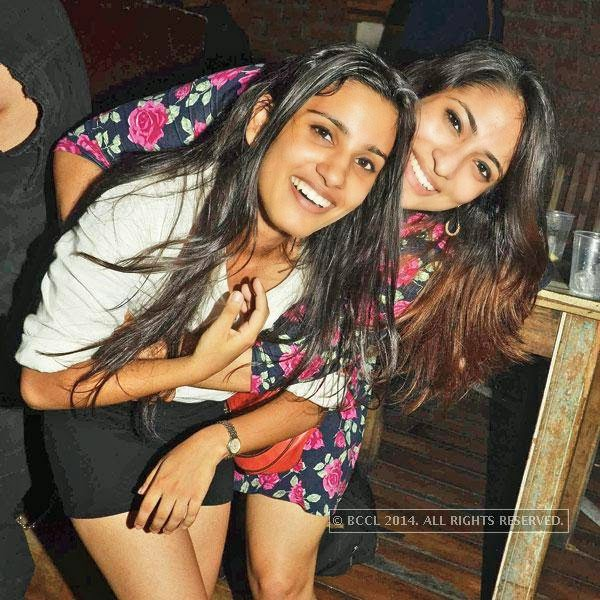 Guntas (L) and Shreya Dutt during 'Cool Off Tuesdays' at Cafe Out Of The Box, in Delhi.