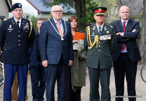 OVERLOON 08-10-2011 Officiële tankoverdracht  (25).JPG