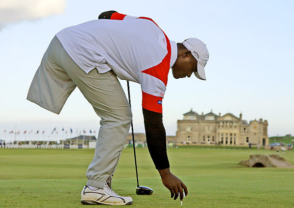 Video of the Week: A One-legged Dominican Golfer? Meet