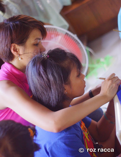 Simply Rins Teaches Nail Art to Girls at Tahanan Sta. Luisa
