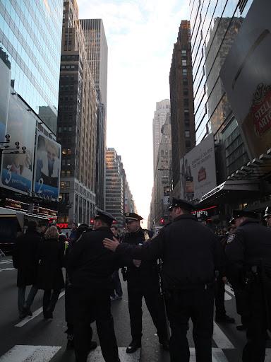 大晦日のタイムズスクエアを警備する警察