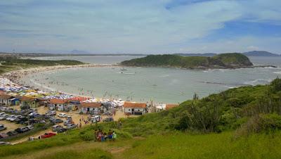 Praia do Peró no feriado
