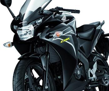 Honda CBR 150R Sepeda Motor Injeksi Irit Harga Terbaik Cuma Honda